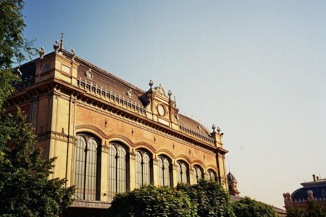 andrew tralongo film photography budapest station